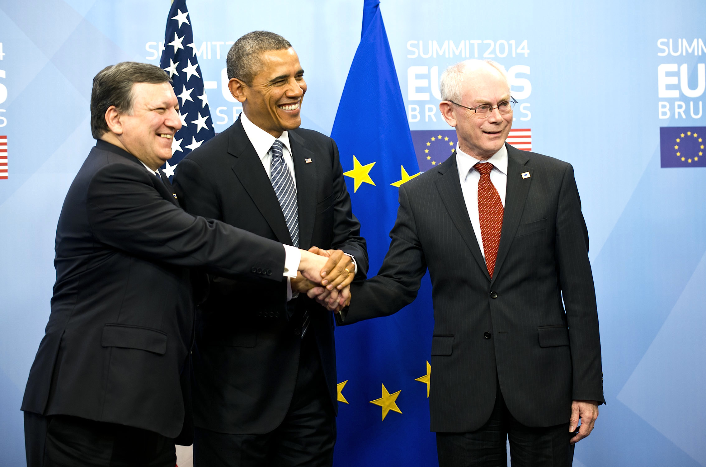 Ešte jedna fotka na doplnenie: Obama, Rom Chuj a Barozo